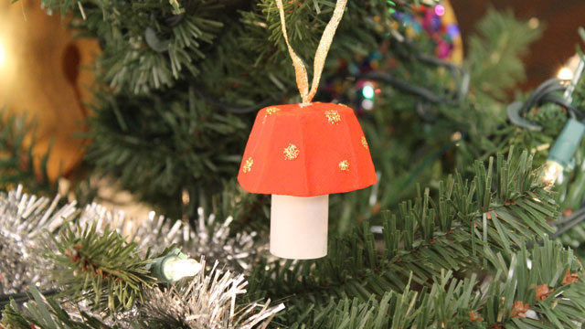 Egg carton mushroom article animaplates for Christmas decorations using egg cartons