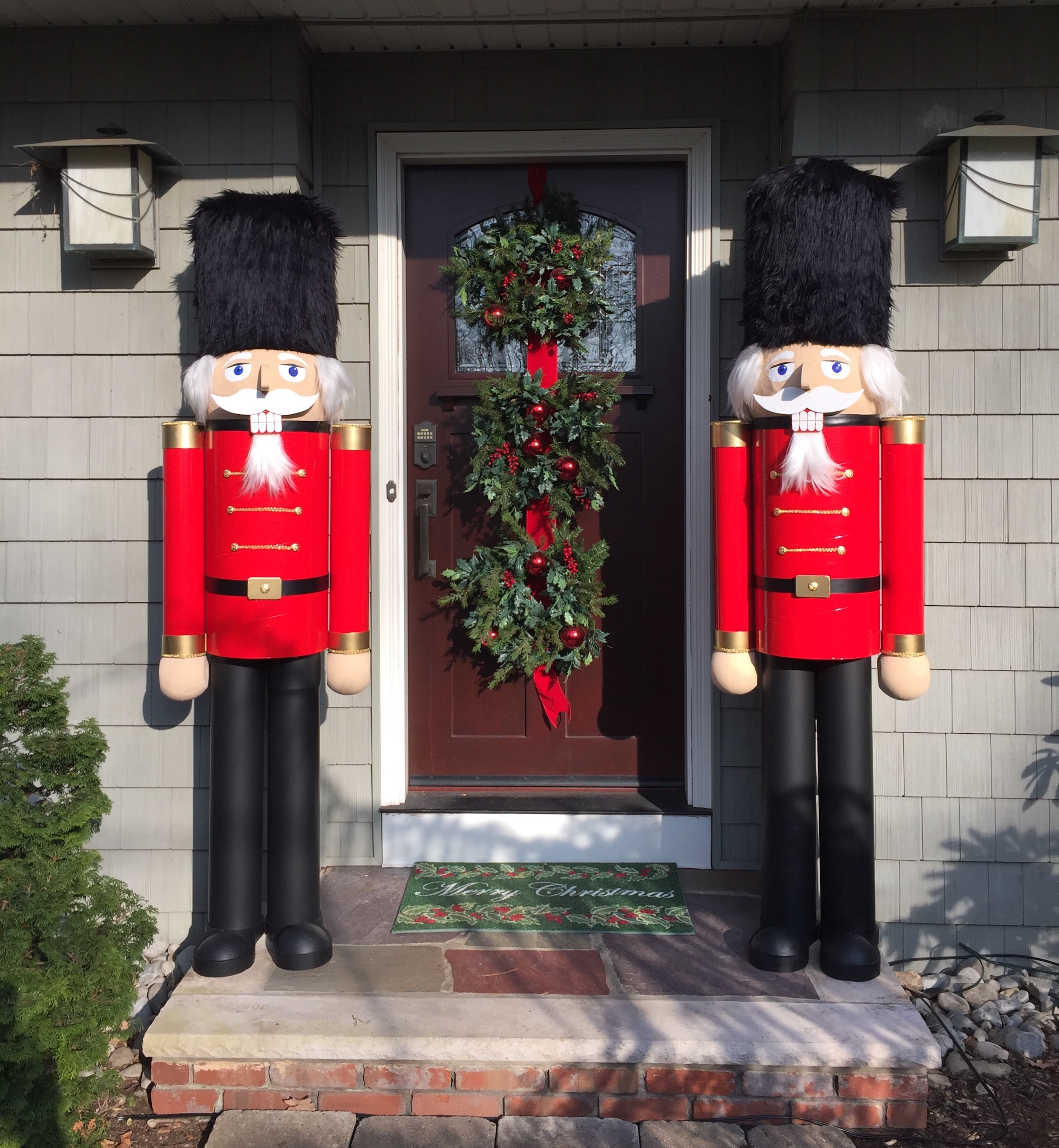 Giant nutcrackers around the world article animaplates for Deco noel exterieur fabriquer