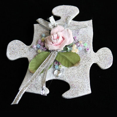 Pretty brooch for Mother's Day